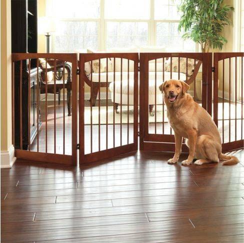 Вольер для собаки в квартиру (40 фото): как выбрать домашний манеж для маленьких щенков? комнатные клетки для собак мелких и крупных пород, пластиковые и другие модели