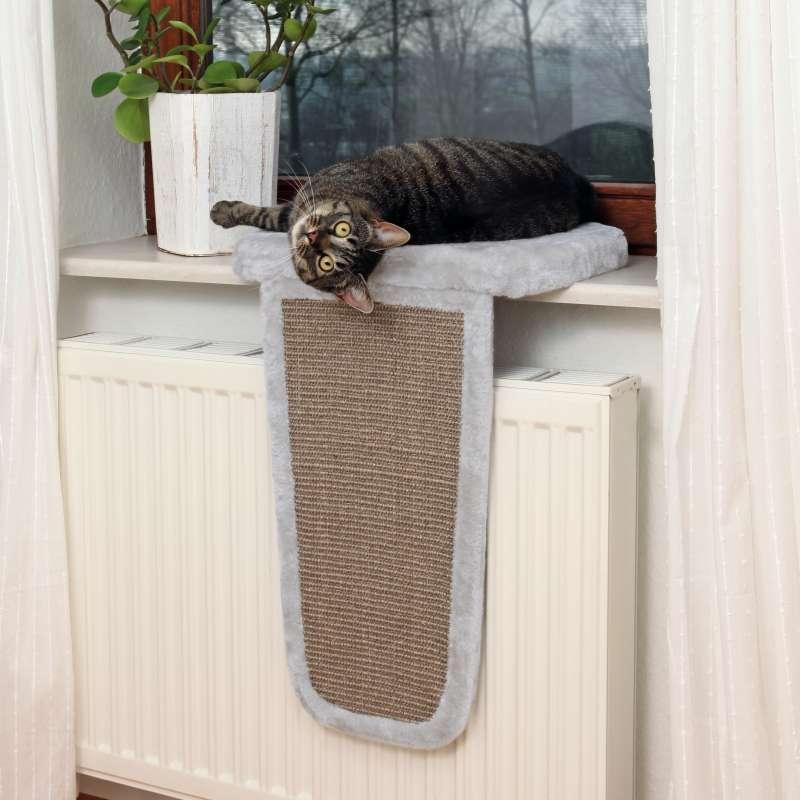 Лежанка для кошек из старого свитера своими руками ·