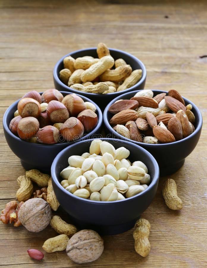 Можно ли йоркширскому терьеру орехи? | йоркширский терьер в беларуси