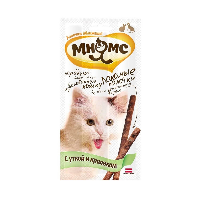 Лакомства для кошек: назначение, советы по выбору и приготовлению