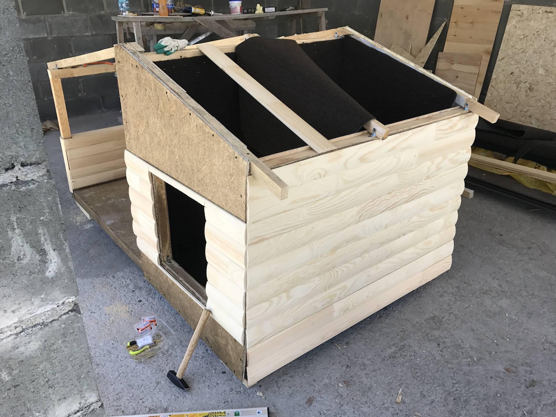 Как построить будку для собаки своими руками?