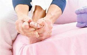 Недержание мочи: лечение у женщин и мужчин в клинике. причины недержания мочи