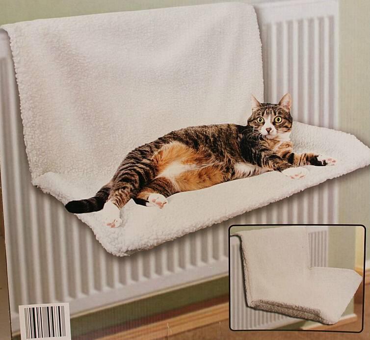 Лежанка для кошки: примеры своими руками и из различных материалов